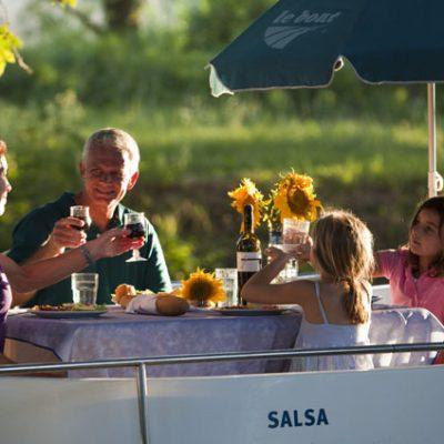 Family Boating Holidays (Barging & House Boats)